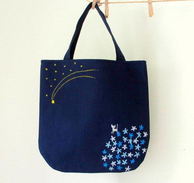 銀色猫と流れ星*手提げバッグ ブルーの画像1枚目
