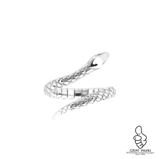 銀のヘビの画像1枚目