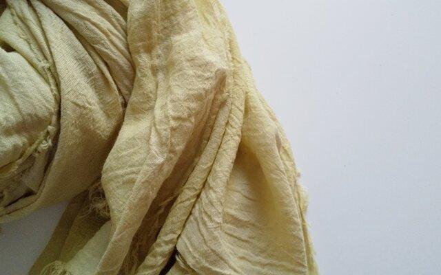 ふんわり柔らか♪コットンガーゼストール 大判 草木染め よもぎ染めの画像1枚目