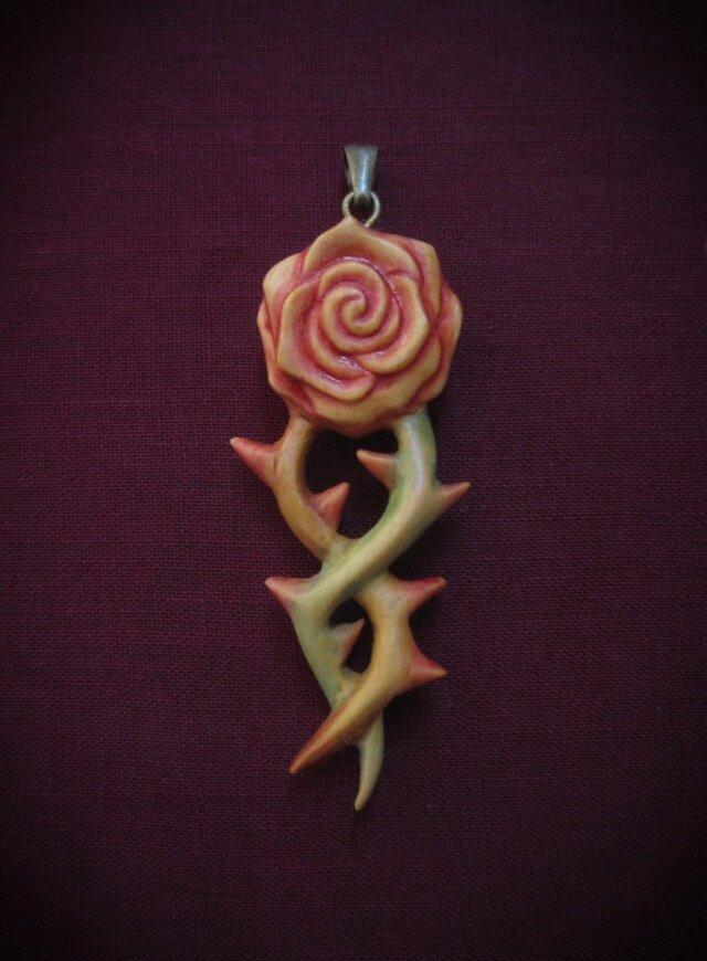 薔薇(ペンダントトップ・耳飾り)の画像1枚目