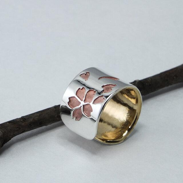 Cuff-Life Sakura +Bs -桜のイヤーカフ +真鍮 幅9mm <鏡面/ツヤ消し 選択可>の画像1枚目