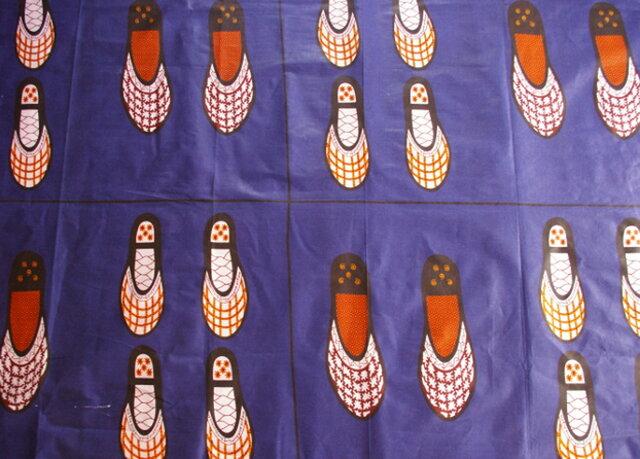 【送料無料】アフリカ布「チテンジ」 (マラウィ産) 179cm×108cm   (shoes)の画像1枚目