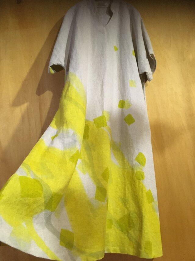 ▪️現品限り▪️檸檬色が舞う*麻の華奢見せロングワンピースの画像1枚目