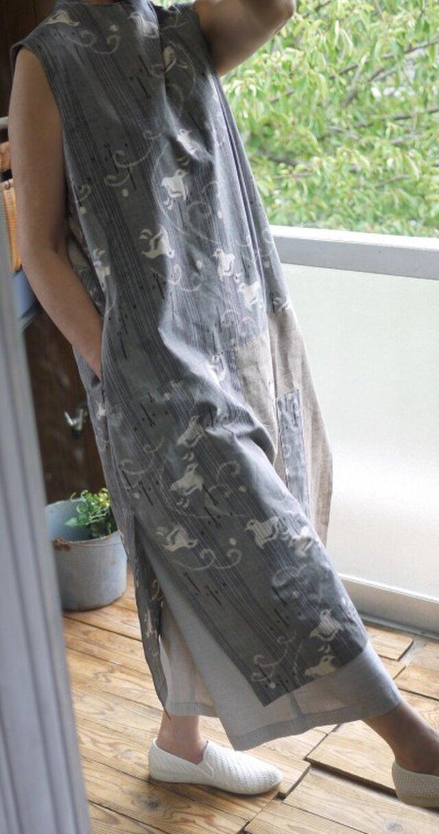 久留米絣反物2種からスタンドネックワンピースの画像1枚目