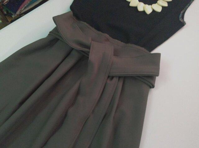 ★ストレッチ素材カーキ★ギャザー少な目スカート★受注製作★の画像1枚目