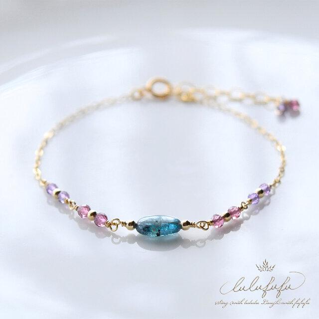 kyanite & tiny stone braceletの画像1枚目