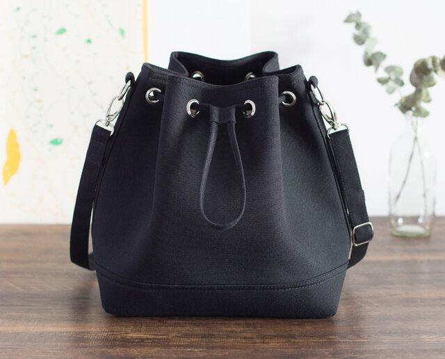 【送料無料】ショルダーバッグ Lサイズ【ブラック】2WAY 巾着バッグ バックパックの画像1枚目