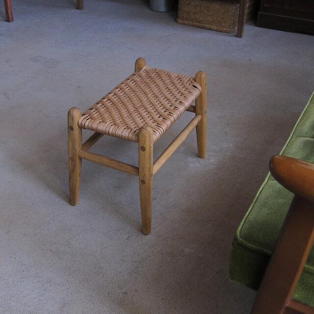 くすのきの座編みスツールの画像1枚目