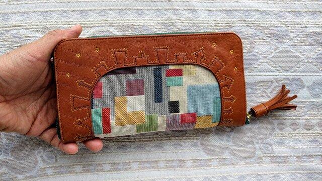 刺繍革財布「街」ゴブラン織コンビ(牛革)ラウンドファスナー型 の画像1枚目
