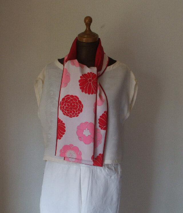 赤とピンクの花がおしゃれなストール 絹の画像1枚目