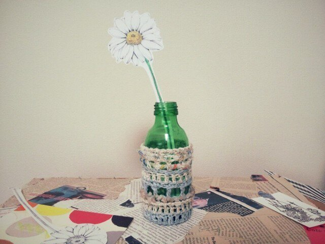 ペーパーフラワーと一輪挿し*knit spring BLの画像1枚目