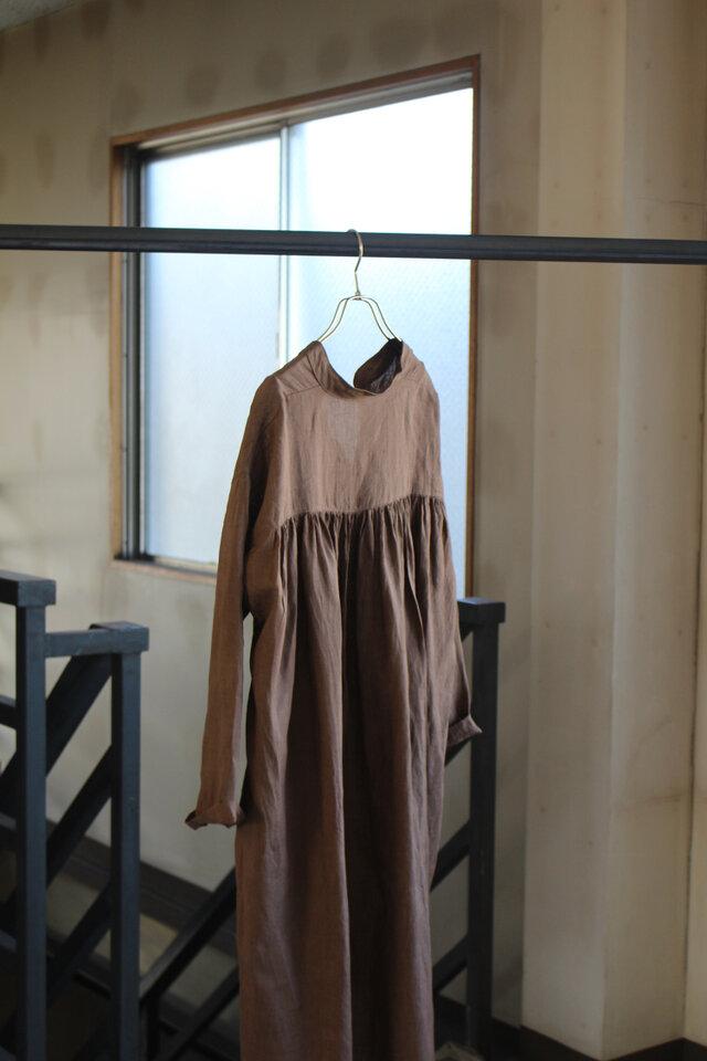 【秋冬NEW】モカ&ブラウン リトアニアリネン100% 後ギャザープルオーバーシャツの画像1枚目