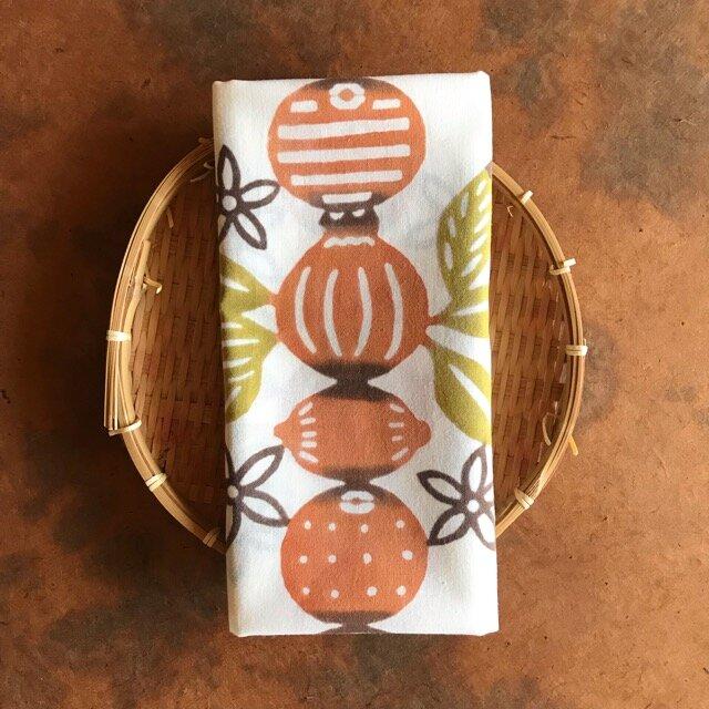 植物染料染め手ぬぐい 柑橘づくしの画像1枚目