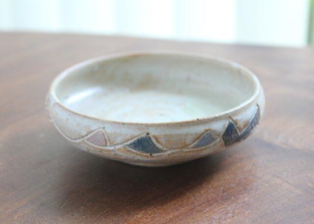 波模様の浅鉢の画像1枚目