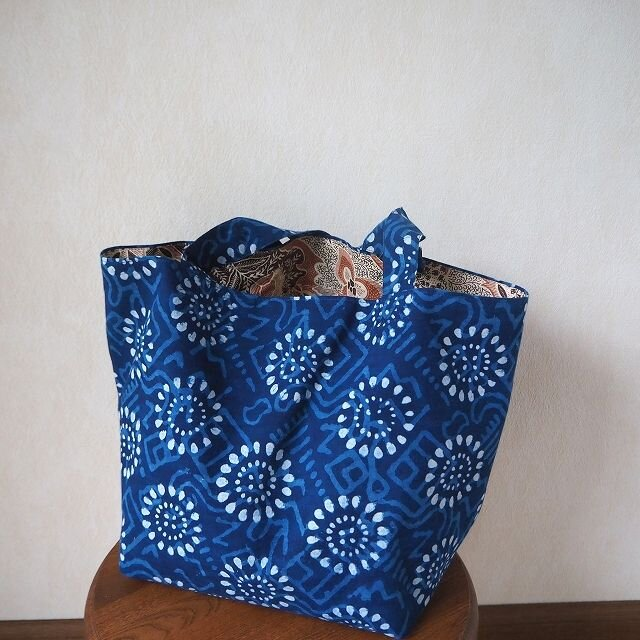 夜空一杯の花火~藍染更紗のトートバッグの画像1枚目