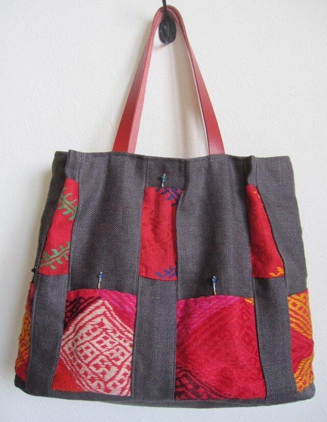 1周年記念セール!赤とグレイの重ね布かばんの画像1枚目