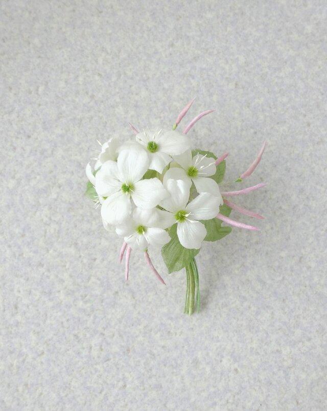 山ぼうしとジャスミンの花束 * シルクヌメ製 * コサージュの画像1枚目