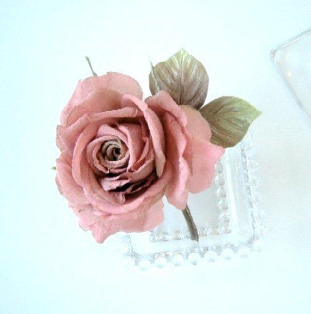 クラシックローズ 薔薇 * シルクデシン製 * コサージュ 髪飾の画像1枚目