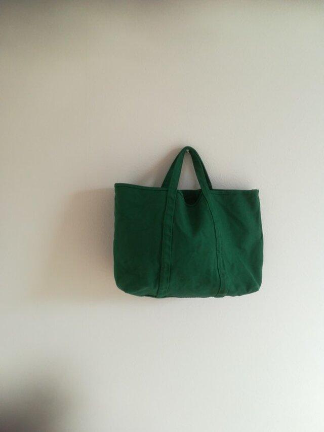 ポケット付きショルダータイプ。【A4対応】 帆布 BASIC TOTE ( M ) 常盤green forest greenの画像1枚目