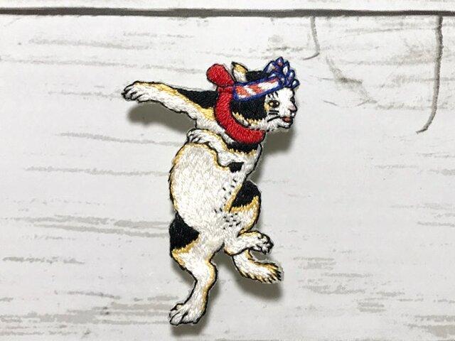 手刺繍浮世絵ブローチ*歌川国芳「五拾三次之内 岡崎の場」よりの画像1枚目