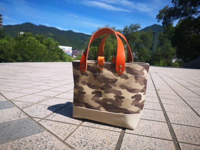 倉敷帆布のトートバッグ〜迷彩+マッシュルームの画像1枚目