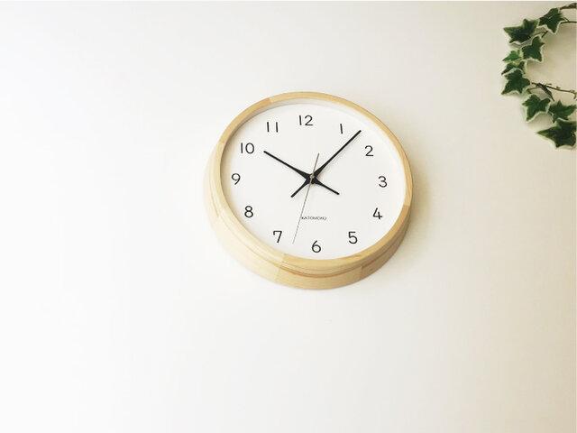 KATOMOKU muku clock 13 ヒノキ km-104HIRC 電波時計 連続秒針 掛け時計の画像1枚目