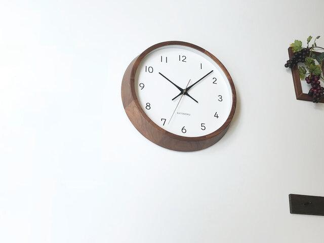 KATOMOKU muku clock 13 ウォールナット km-104WAC 電波時計 連続秒針 掛け時計の画像1枚目