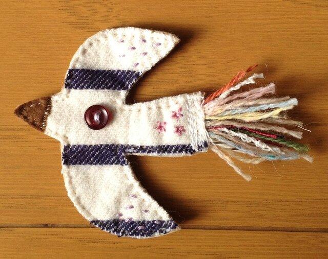 ★HAPPY BIRD (布製鳥のブローチ)の画像1枚目