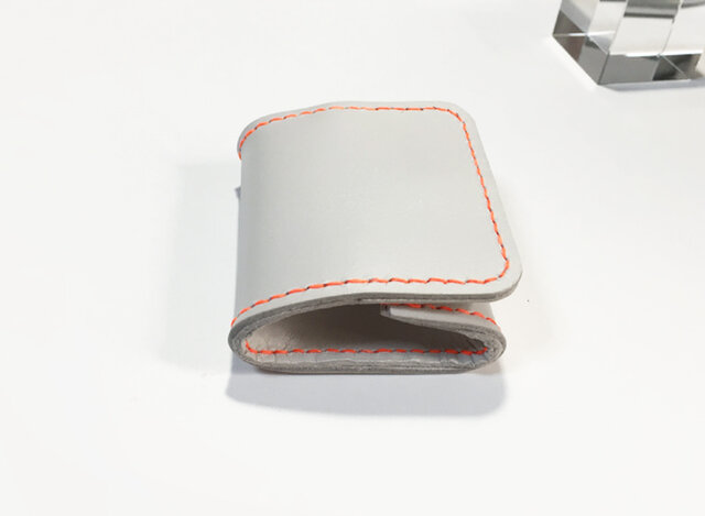 牛革コインケース(ライトグレー×ネオンオレンジ)の画像1枚目