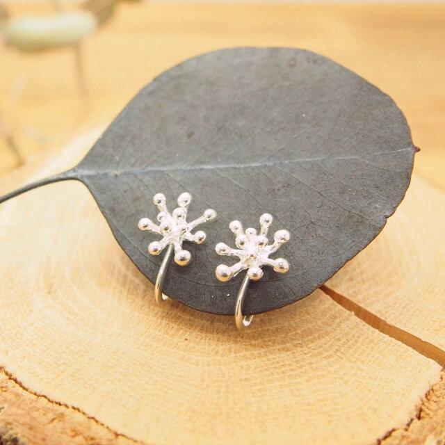 つぶ花のイヤリング SE26の画像1枚目