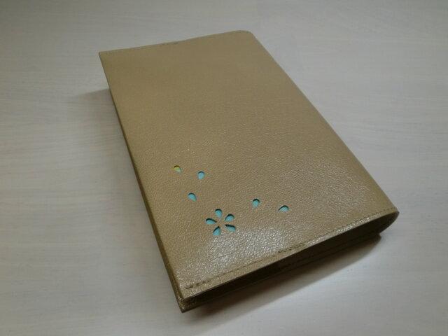 ゴートスキン・文庫本サイズ・「HANABIRA」シリーズ・一枚革のブックカバー0353の画像1枚目