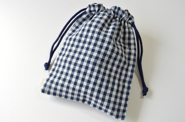シンプル ギンガムチェック バンダナ柄・巾着袋 ネイビー 紺【 Simple 】の画像1枚目
