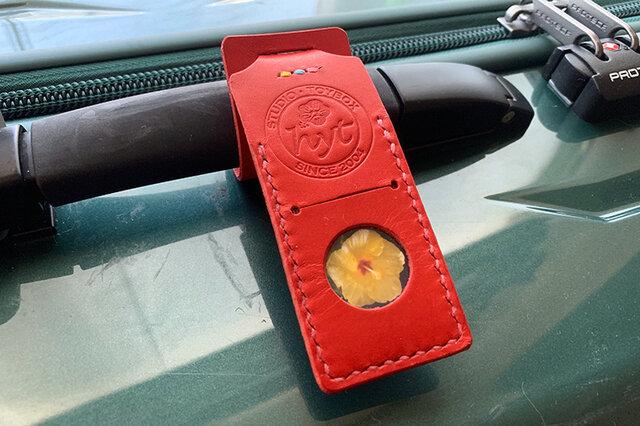 スーツケースが見つけやすい目印ネームタグ  レッド トラベル革小物 ラッピング可の画像1枚目