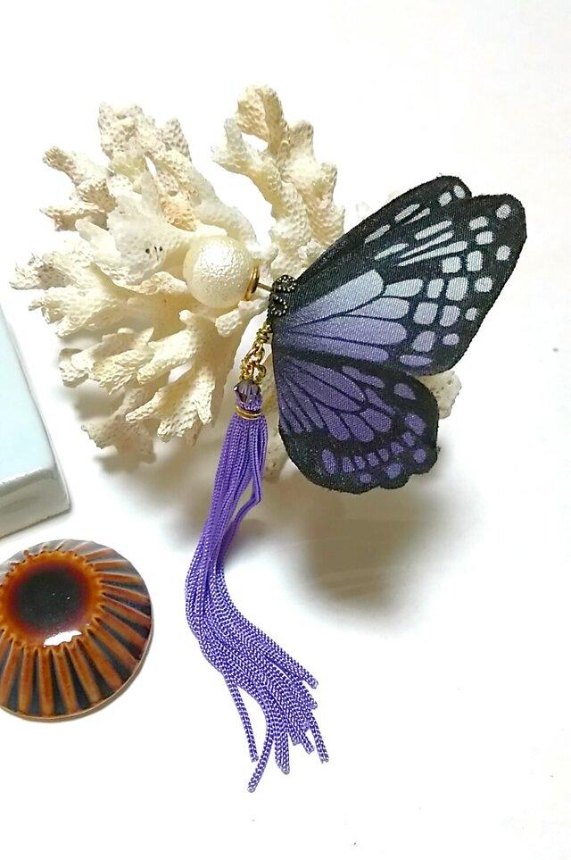 蝶のピアス 大 (アサギマダラ)の画像1枚目