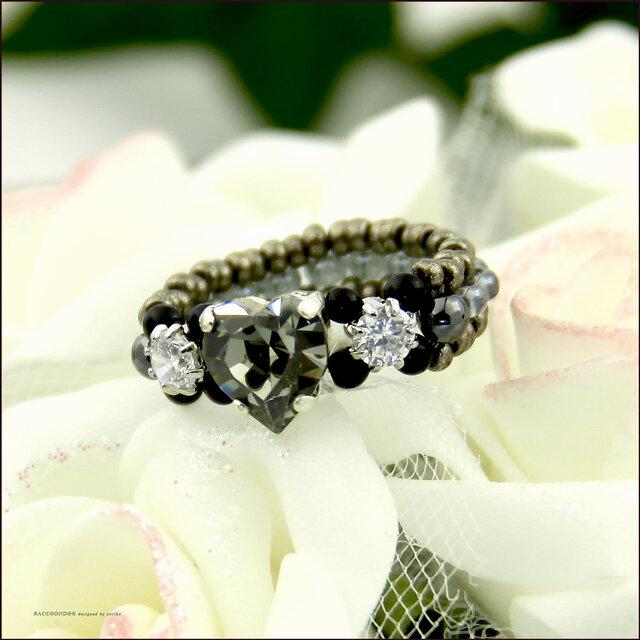ぷっくり♡のきらきらリング【スワロフスキー♡〈ブラックダイヤモンド〉とジルコニア ビーズリング】《ビーズアクセサリー》の画像1枚目