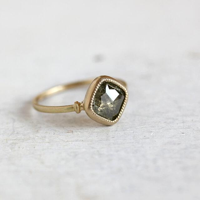 K18 ローズカット・ダイヤモンドリング 〈スクエア・カーキ〉の画像1枚目