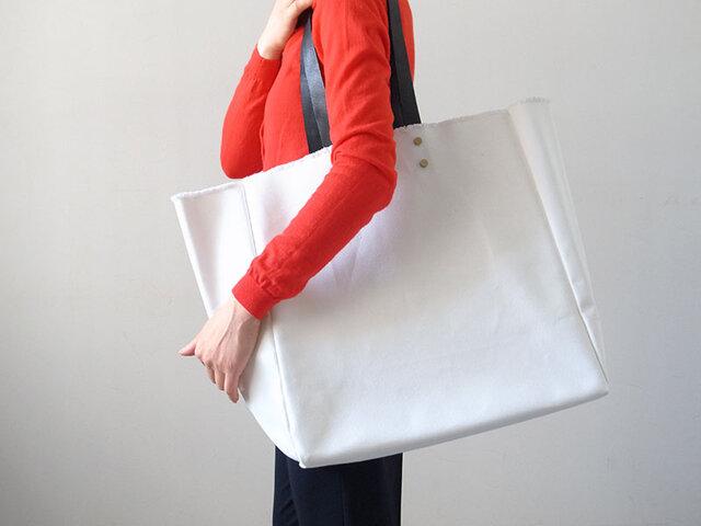 持ち手が取り外せて洗える! Stylist Bag(スタイリストバッグ) - カレン クオイル -の画像1枚目