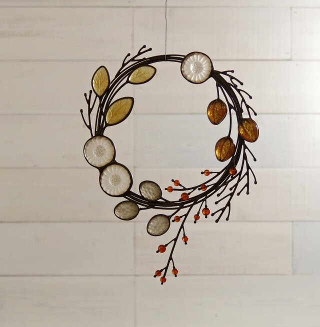 ガラスのリース [秋の小枝]の画像1枚目