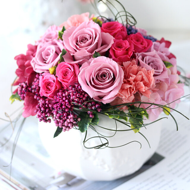 magnifique (マニフィーク) プリザーブドフラワー ピンク 結婚祝い・開店祝い・新築祝いの画像1枚目