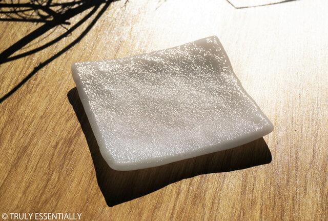 純白ガラスの器 -「 KAZEの肌 」● 12cm・絹目調の画像1枚目