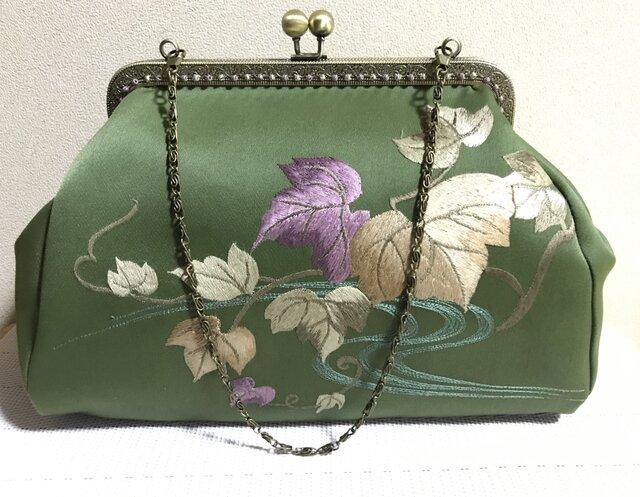 がまぐちバッグ・角型口金  抹茶色 ぶどうの葉 刺繍帯地バッグの画像1枚目