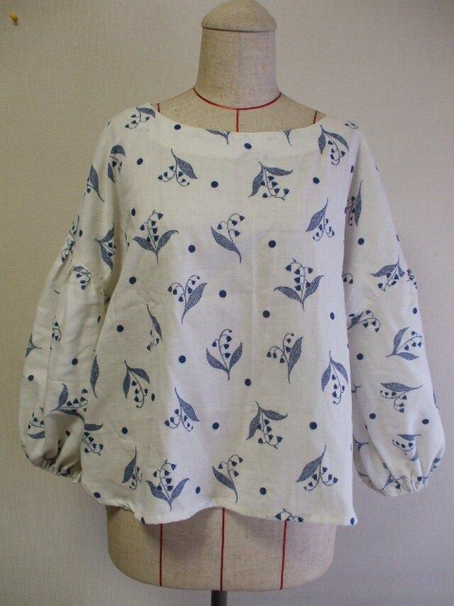 すずらん柄刺繍ステッチ風プリント ラウンドネックバルーン8分丈袖プルオーバー M~LLサイズ 生成り色 受注生産の画像1枚目