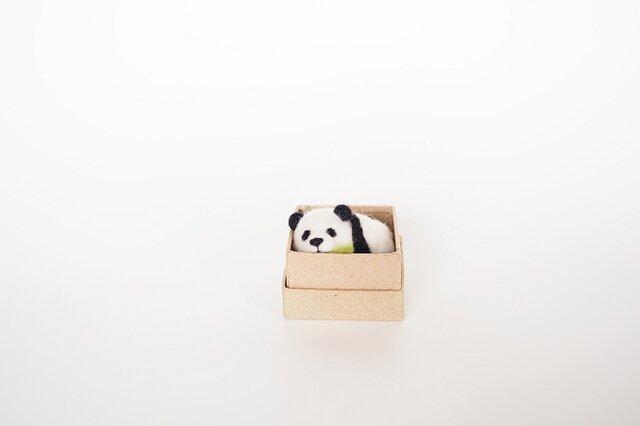 <約3㎝シリーズ>笹パンダの画像1枚目