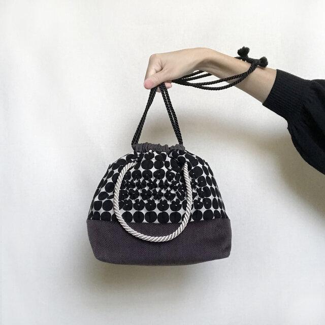 スモッキング刺繍2way巾着バッグ(ブラック×パープル)の画像1枚目
