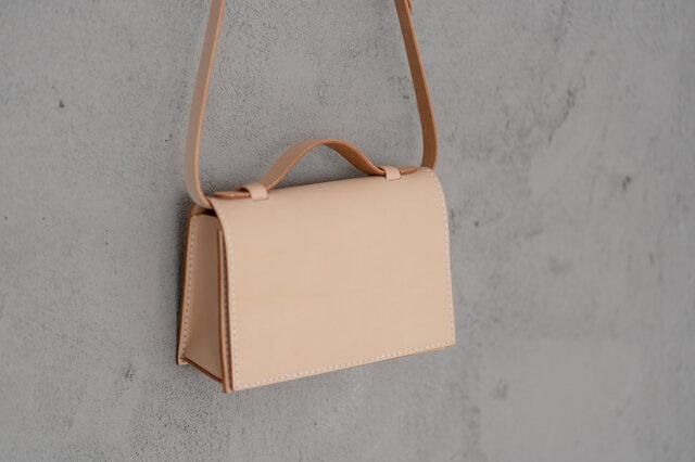 新商品キャンペーン中!2wayミニバッグ本革小さなメッセンジャーバッグショルダーバッグ 総手縫い 手持ち 肩掛けの画像1枚目
