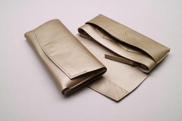 【RENEWAL】やわらかい革の長財布 GOLDの画像1枚目