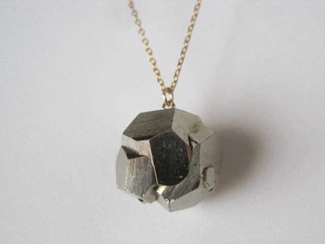 パイライトの原石ネックレス/黄鉄鉱/Peru 14kgfの画像1枚目