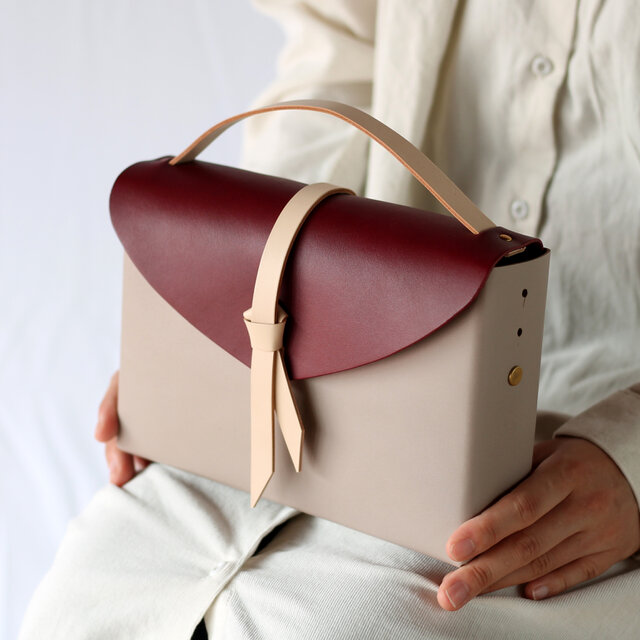2way レザーボックスバッグ スリム #グレージュxワインxベージュ/ box bag slimの画像1枚目