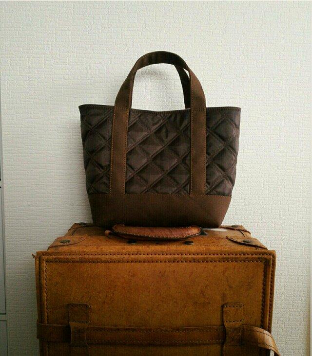 チョコナイロンキルトx帆布のトートバッグSの画像1枚目