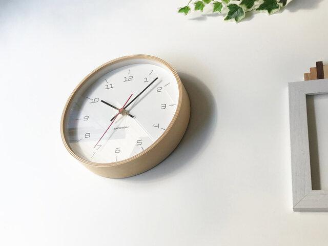 KATOMOKU plywood clock 16 km-105NRC ナチュラル 電波時計 連続秒針の画像1枚目